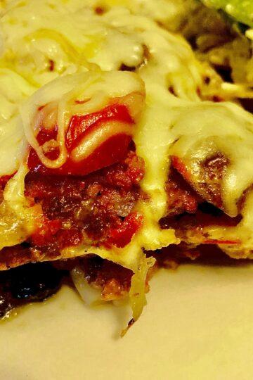 KETO LOW-CARB PALEO CRUSTLESS PIZZA