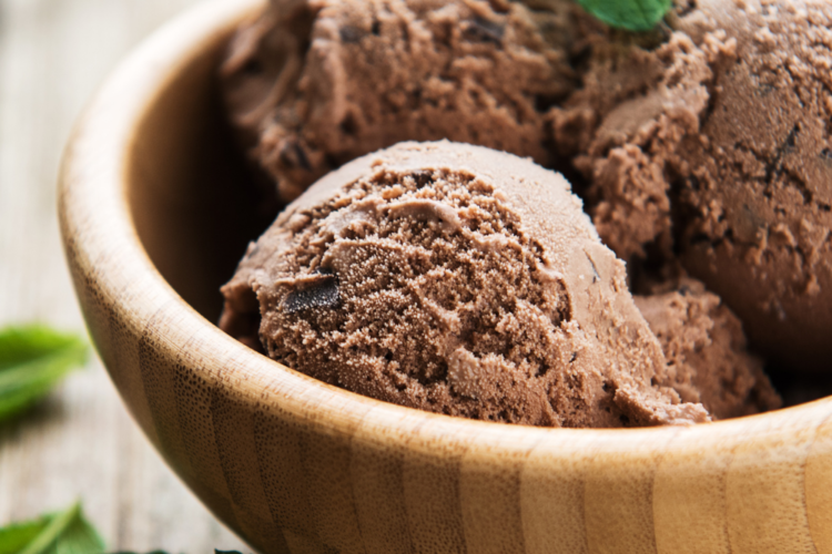 KETO LOW-CARB CHOCOLATE COCONUT MILK ICE CREAM