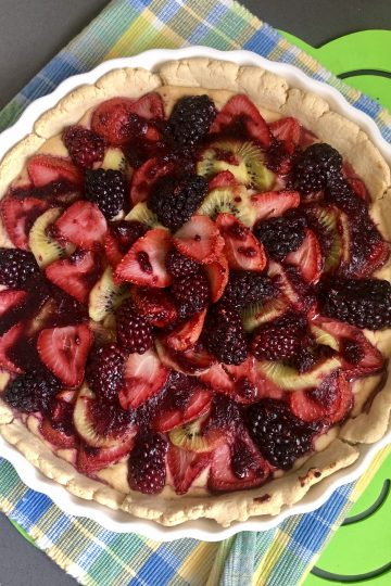 PALEO & WHOLE30 STRAWBERRY & KIWI VEGAN CREAM CHEESE TART